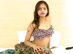 Lovely Indian Girl Reveals Herself Solo On Camera